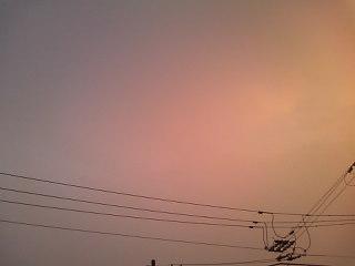 台風の日の夕暮れ